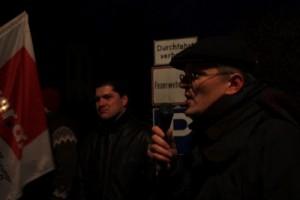 Carsten Becker, Mitglied des ver.di-Landesvorstandes Berlin-Brandenburg, während eines Protest gegen den Staatsbesuch des kasachischen Präsidenten Nasarbajew am 07.02.2012